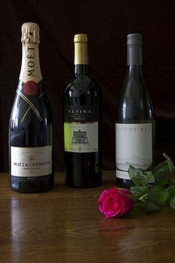 three-bottles-of-wine-667438__340.jpg