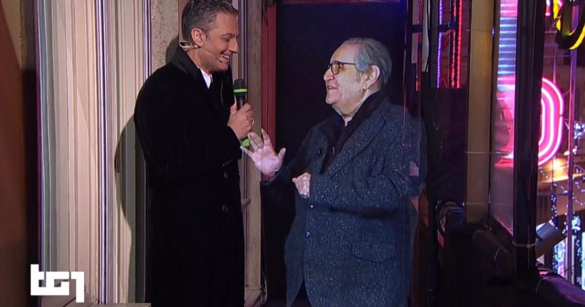 Naumachia apre il 71° Festival di Sanremo: Mollica ritorna sul balconcino grazie all'Olografia!