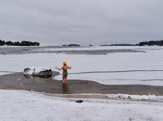 ice-swimming-helsinki.jpeg