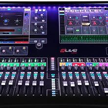 dLive_C3500_Front_purple_lights-1.jpg