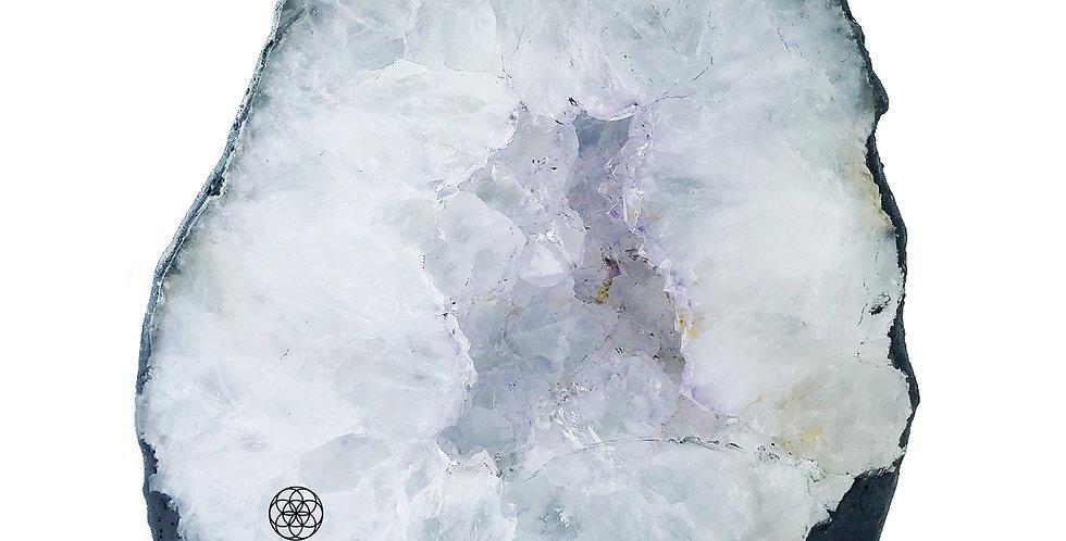 Adorno Decor Light White Caverna Ametista Bluegaya