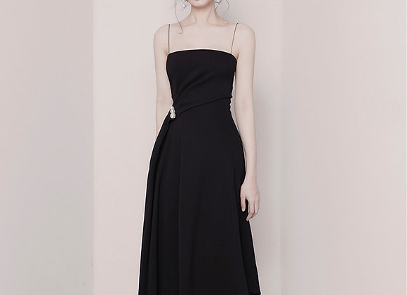 Faith Flowy Midi Dress In Black
