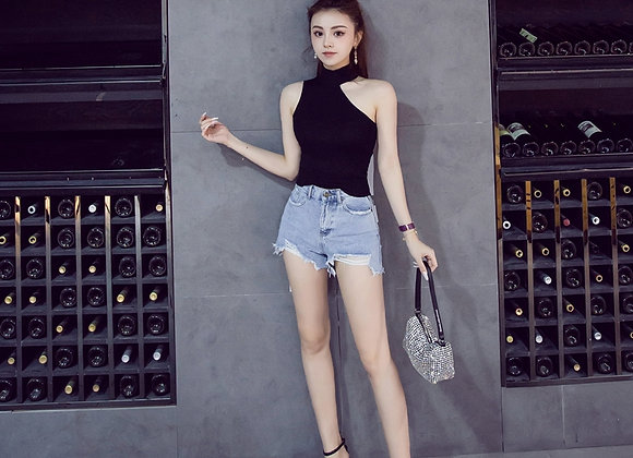 Basic Knit Halter Neck Top In Black