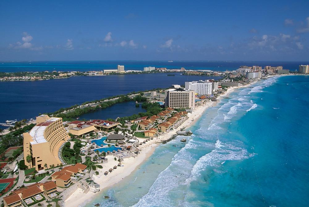 U-Party Grupo Musical Versátil brinda sus servicios en la ciudad de Cancún, Q.Roo México