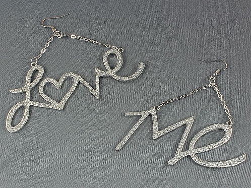 HANGING LOVE ME EARRINGS