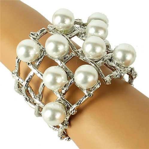 METAL PEARL CUFF BANGLE