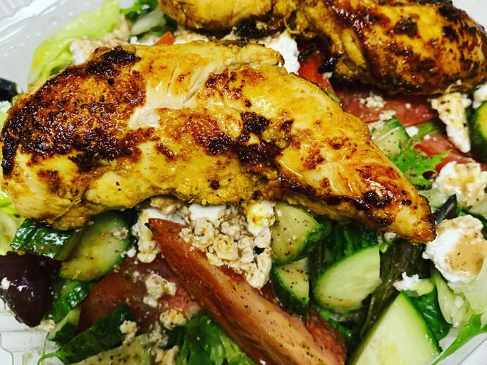 greek salad w chicken.jpg