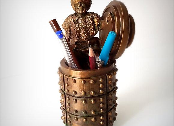 Afro pen holder 2