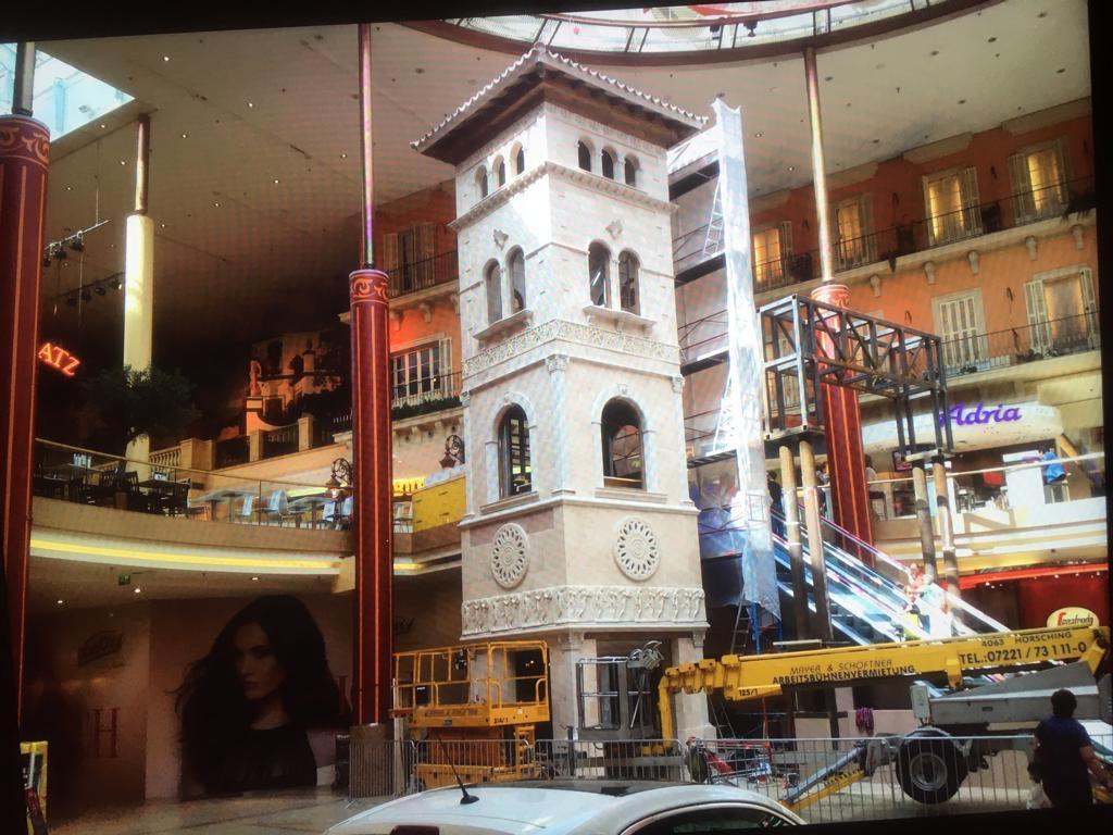Liftverkleidung - Plus City (Marcusplatz)
