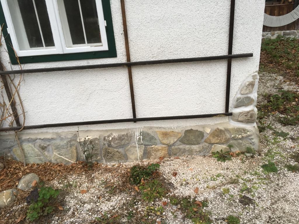 Natursteinsockel