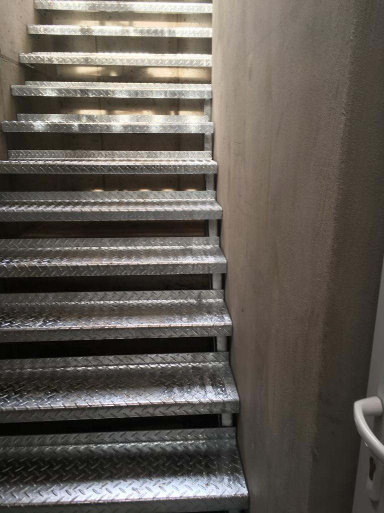 verzinkte Kellerstiege