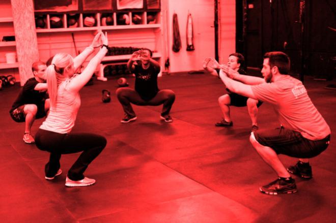 squat red