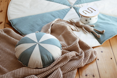 poduszka-patchwork-dropsniebieski.jpg