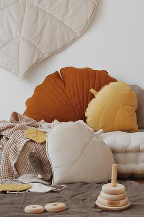 velvet-leafpillow-moimili-kidsroom-decor