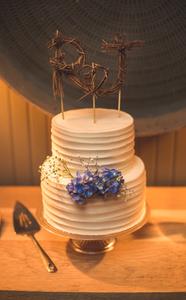 Creative wedding cakes Atlanta