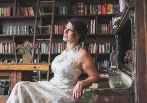 Bride portrait piano