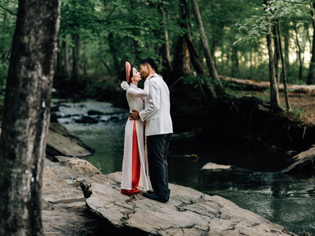 Enchanting Sweetwater Creek Engagement Session