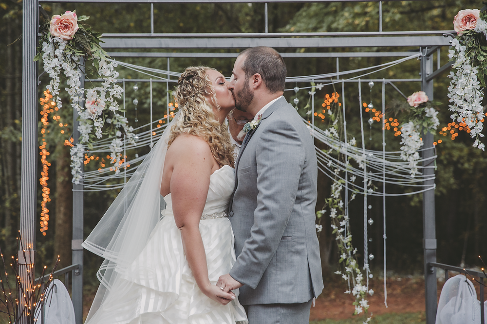 Perfect backyard wedding on a budget