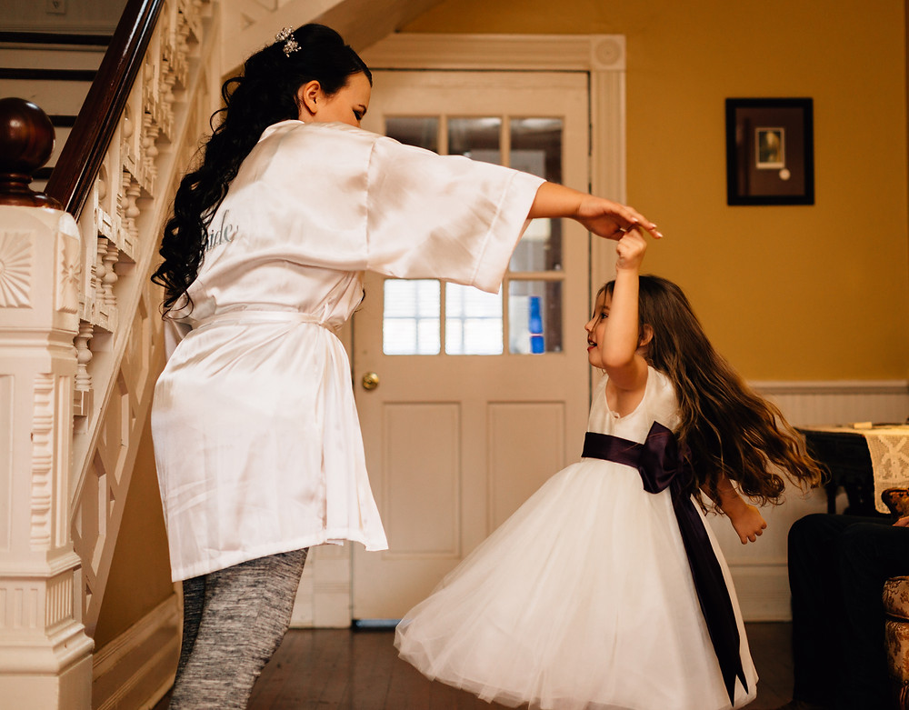 Atlanta Wedding Photographers, The Jewell House, Lunalee Photography, Flower Girl