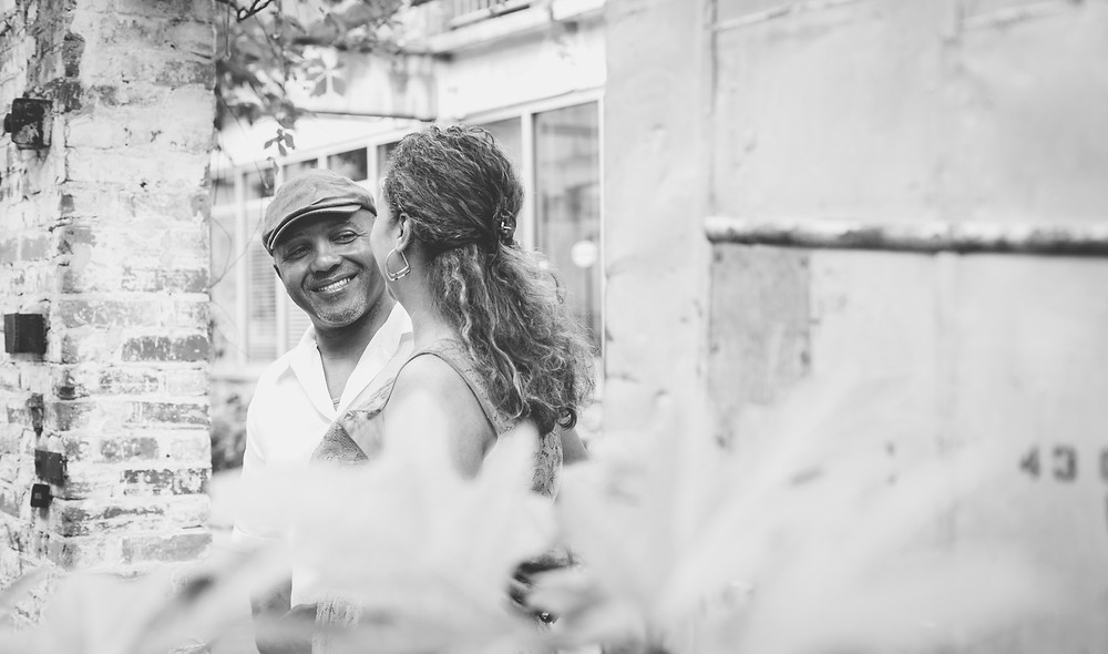 B&W engagement pictures