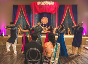 Family performances on Mehndi night