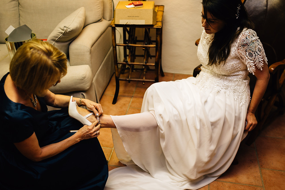 Bride puttin on heels