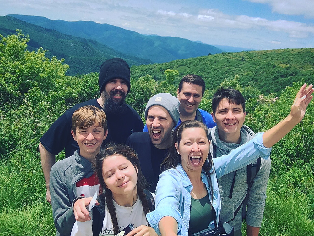 Group family picture in the mountains