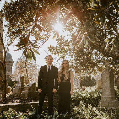 Alexis & Matt's Oakland Cemetery Engagement Session