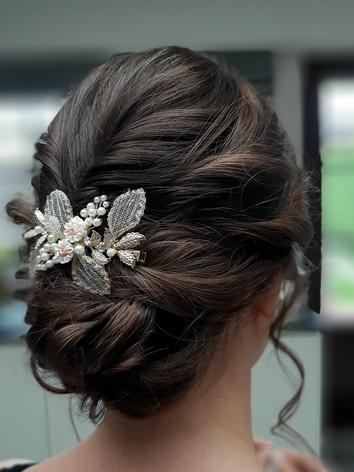 Bridal updo curl