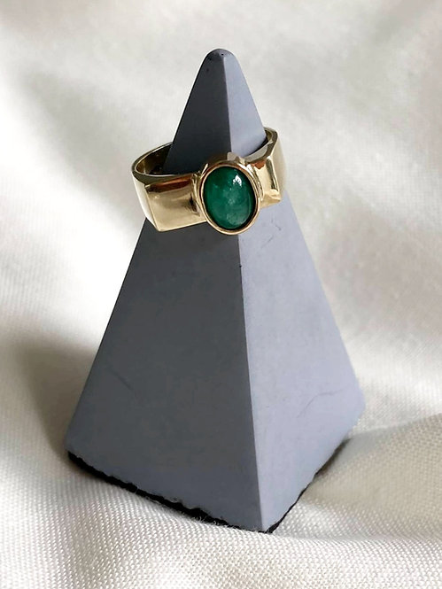 9-Carat Gold Emerald Signet Ring - UK Ring Size F.5