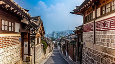 Bukchon-Hanok-Village-1_0-672x372.jpg