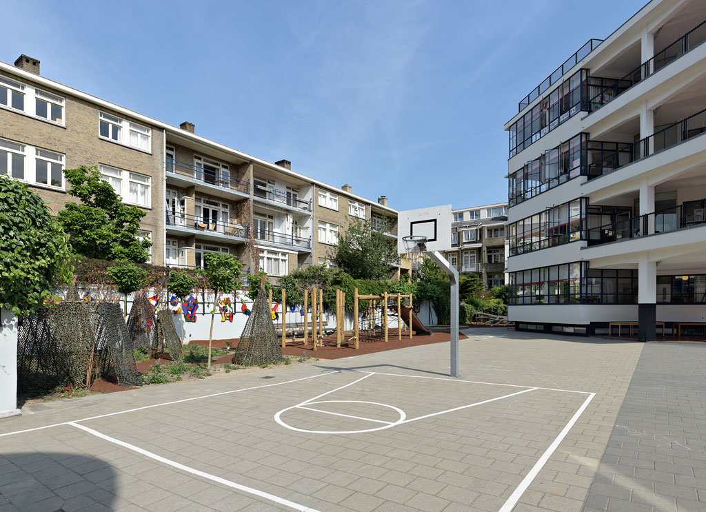 R236_973028-schoolplein-1e-Openluchtschool