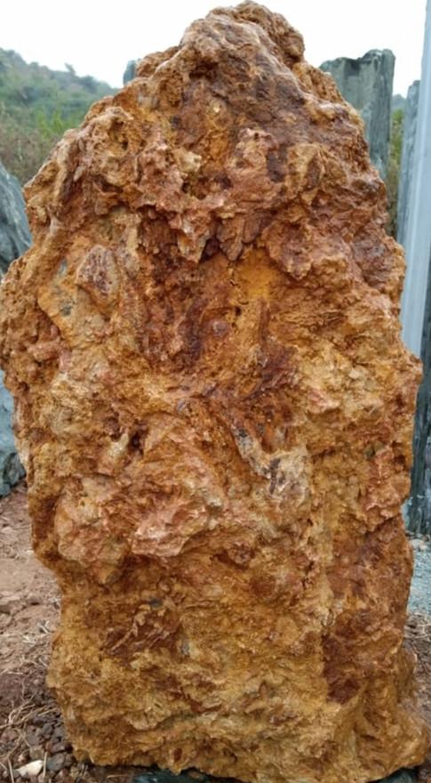 Mittlböck Natursteine Felsen Grabfelsen Granit Spaltfelsen No. 60