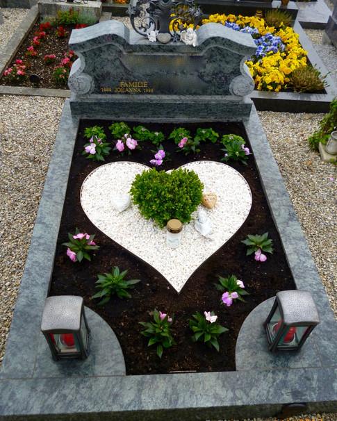 Granit Grabsteine Grabgestaltung Edelstahl Design 27 April2013 160