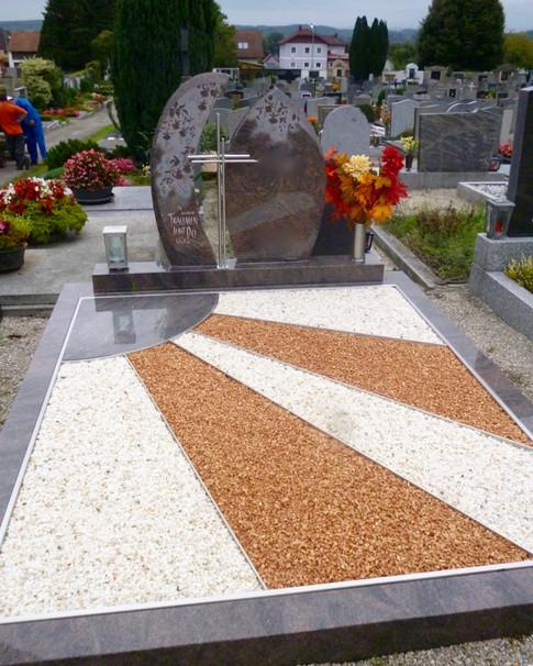 Granit Grabsteine Grabgestaltung Edelstahl Design 44 Sept.2012 026