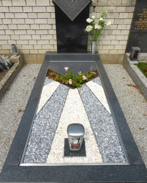 Granit Grabsteine Grabgestaltung Edelstahl Design 9 19.8.2013 01 008