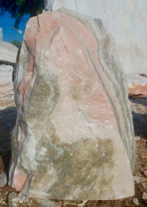 Mittlböck Natursteine Felsen Grabfelsen Marmor Spaltfelsen No. 1