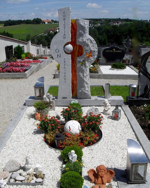 Granit Grabsteine Grabgestaltung Edelstahl Design 53 Juli10 043