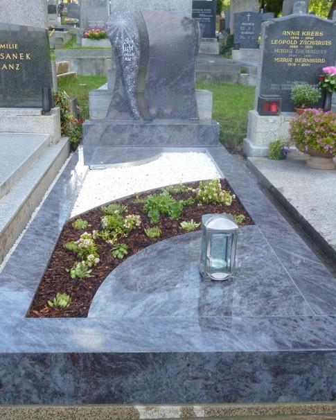 Granit Grabsteine Grabgestaltung Edelstahl Design 45 Juli2012 002