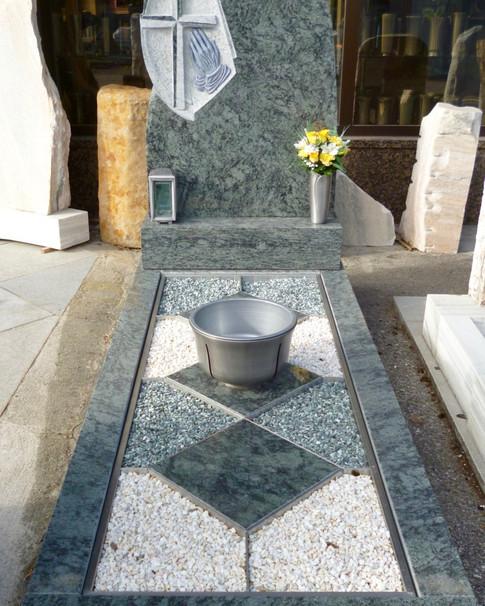 Granit Grabsteine Grabgestaltung Edelstahl Design 50 März2012 114