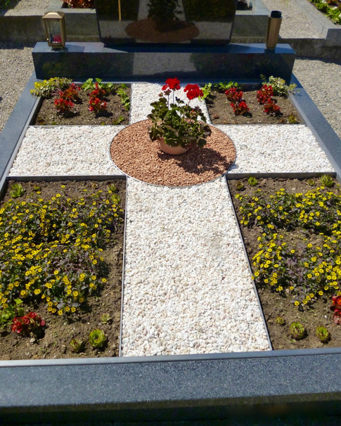 Granit Grabsteine Grabgestaltung Edelstahl Design 17 April2013 174