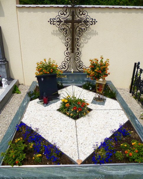Granit Grabsteine Grabgestaltung Edelstahl Design 7 Voesenhuber2