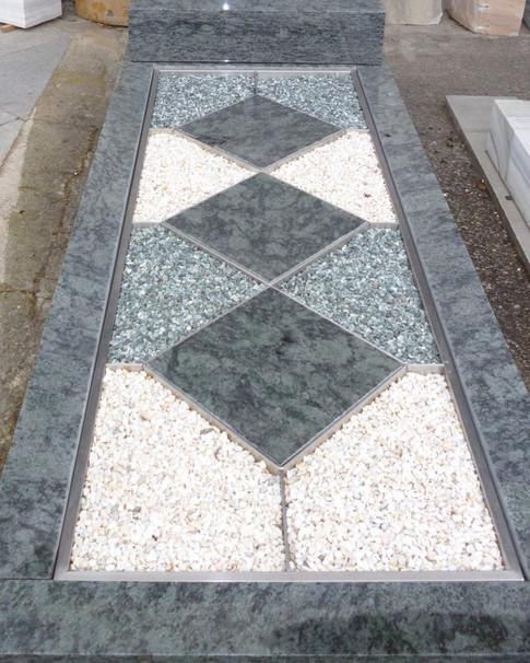 Granit Grabsteine Grabgestaltung Edelstahl Design 21 März2012 082