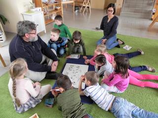 Что такое начальная Монтессори-школа для детей от 6 до 12 лет?