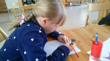 Самостоятельная работа детей в классе Монтессори
