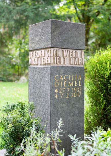 Urnengrab-Urnenstein-Steinmetz-Aschaffen