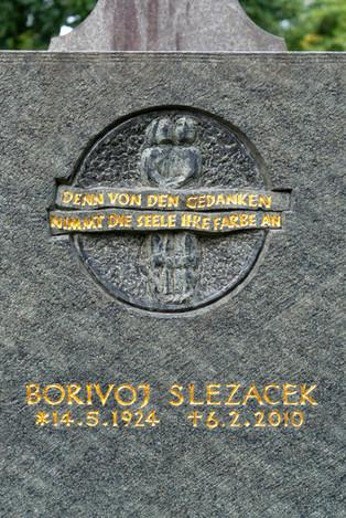 02-Grabmal-Grabstein-Steinmetz-Inschrift