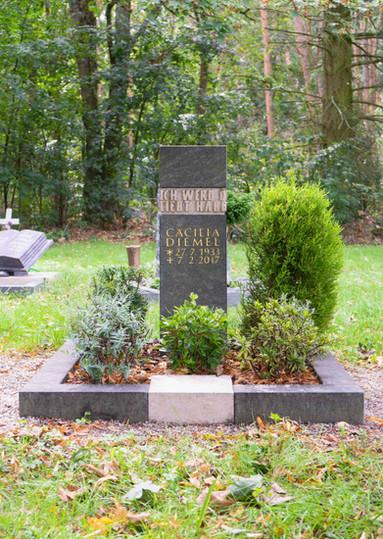06-Urnengrab-Urnenstein-Steinmetz-Aschaf