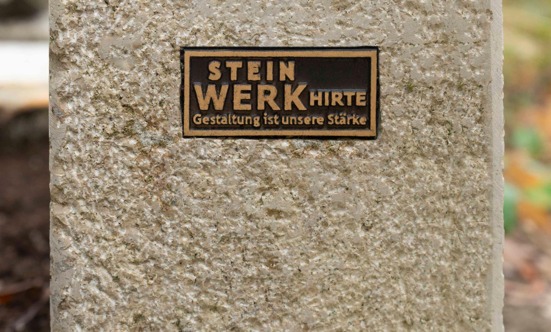 04-Urnengrab-Urnenstein-Steinmetz-Aschaf