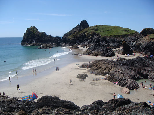 Kynance cove, National trust, beach cafe, hidden rock pools, outstanding area of natural beauty, The Lizard, Turquoise sea, caves, rocks, eco friendly cafe, cornish pasties, cream teas, Poldark,
